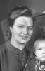 Margarete Rettschlag, kurz nach der Geburt der Tochter Ursel