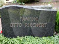 Grabstein Familie Otto Riechert sen.